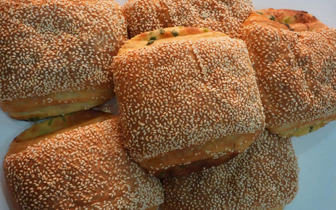 三星蔥麵包 30元